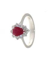 Anello con rubino taglio goccia e diamanti